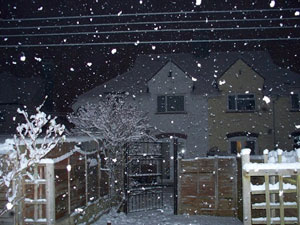 evening_snowfall_stonhouse_cresc